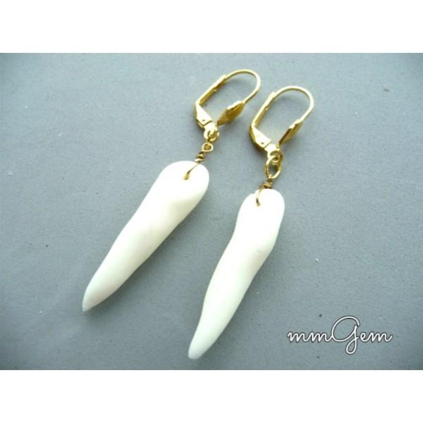 Boho Chic Earrings, Boho Wedding, White Earrings, Gold White Earrings, Wolf Tooth Imitation,